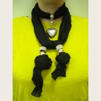 Женский шарф с декоративными элементами - модель 2